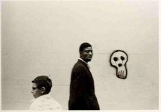 Roy DeCarava - Boy, man and graffiti, 1966 // Roy DeCarava A Retrospective / The Museum of Modern Art, New York, 1996 African American Literature, African American Artist, American Artists, Jazz Artists, Black Artists, Jazz Musicians, Fine Art Photography, Street Photography, Roy Decarava