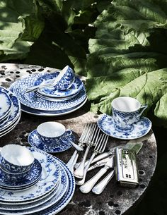 Still Life – Kristofer Johnsson Blue And White China, Blue China, Love Blue, Note Design Studio, Notes Design, Swedish Design, Nordic Design, Pretty Pegs, Table Vintage