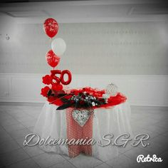 #dolcemania #palloncini #puglia #sangiovannirotondo #gargano #italia #balloon #elegance #cinquanta #50 #red #rosso #balloonart #cavallinorosso #rose #festa #party #elegance