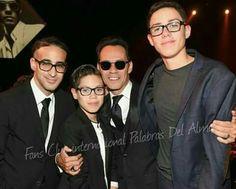 Con sus hijos