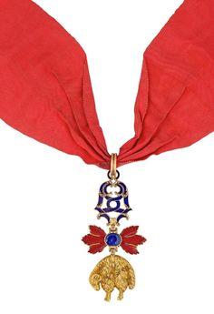 Order of the Golden Fleece (Spanish) — Badge from an important European family (French work, late 18th or early 19th century ; gold & enamels ; 81 x 43 mm - 52,45 grams) [obverse] CLICK FOR LARGER PICTURE http://www.interencheres.com/fr/meubles-objets-art/de-dianous-dard-vente-de-decorations/ordre-de-la-toison-d-or-bijou-de-chevalier-de-la-branche-espagnole-ie_v83466/7373056/num