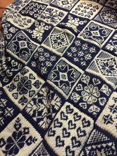 Fair Isle knitting patterns – Easy to do Fair Isle knitting patterns another louise botes creation. fair isle knitting in south african merino. cryyxhc isle knitting patterns Fair Isle knitting patterns – Easy to do Double Knitting Patterns, Knitting Machine Patterns, Fair Isle Knitting Patterns, Fair Isle Pattern, Knitting Charts, Knitting Stitches, Free Knitting, Sock Knitting, Knitting Sweaters