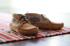 Minnetonka El Paso Ankle Booties - Enter to win a pair on SigneRoo!