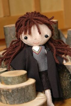 the Harry Potter trio (and their props) Harry Potter Toys, Harry Potter Ornaments, Harry Potter Theme, Harry Potter Birthday, Felted Wool Crafts, Felt Crafts, Card Crafts, Storybook Characters, Felt Dolls