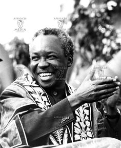 President Nyerere enjoys a light moment at a function in one of the leading universities in Dar-er-Salaam. Julius Nyerere, History Articles, Pan Africanism, Black History Facts, African American History, Black People, Revolutionaries, Black Men, Kwanzaa