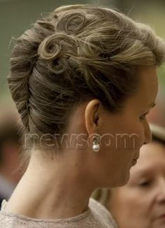 French twist with curls... I love the little curl detail!
