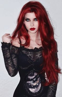 Top Gothic Fashion Tips To Keep You In Style. As trends change, and you age, be willing to alter your style so that you can always look your best. Consistently using good gothic fashion sense can help Dark Beauty, Goth Beauty, Gothic Fashion, Fashion Beauty, Style Fashion, Steampunk Fashion, Gothic Steampunk, Gothic Art, Victorian Gothic