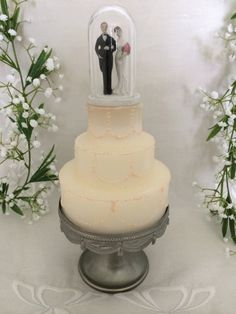 Vintage 3 1/2 Bride and Groom Wedding Cake by TheButlersCottage