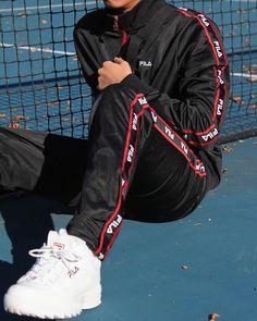 18 ideas sweatshirt man style etsy for 2019 Fashion Mode, Urban Fashion, Mens Fashion, Fashion Styles, Street Fashion, Fila Outfit, Tumblr Outfits, Men Street, Mode Style