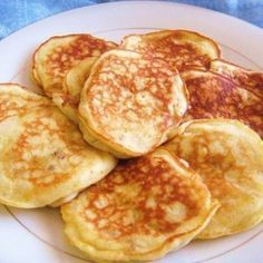 Iedereen heeft het in huis! Eieren en banaan. Wat je hiervan kunt maken is zo simpel maar vreselijk lekker en ook nog eens gezond!