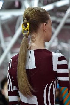 Christian Dior at Couture Spring 2015 Details Runway Photos - braids Night Hairstyles, Ponytail Hairstyles, Pretty Hairstyles, Blonde Hairstyles, Hair Ponytail, Christian Dior, Ponytail Styles, Short Hair Styles, Pelo Editorial