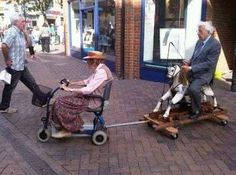 Old People Memes. Best Collection of Funny Old People Pictures Couples Âgés, Vieux Couples, Elderly Couples, Real Relationships, Relationship Goals, Perfect Relationship, Life Goals, Memes Gratis, Funny Old People