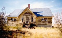 nemiskam, AB Homeless People, Abandoned Buildings, Ghost Towns, United States, Cabin, House Styles, Google Search, Cabins, Cottage