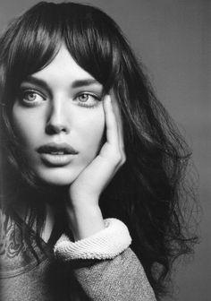 O meu tipo de mulher ... Um pouco mais descuidada e bohémia ... Uma beleza natural sem demasiadas pinturas ou arranjos ... <3
