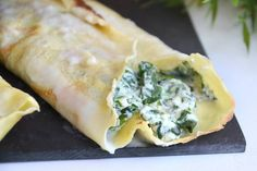 Crespelle ricotta e spinaci - The Effective Pictures We Offer You About salata tarifleri A quality picture can tell you many thi - Crepe Recipes, Veg Recipes, Wine Recipes, Cannelloni Ricotta, My Favorite Food, Favorite Recipes, Banana Pudding Recipes, I Foods, Food Porn
