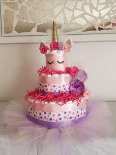Unicorn diaper cake cake design в 2019 г. Diy Diaper Cake, Nappy Cakes, Diy Cake, Girl Diaper Cakes, Fiesta Baby Shower, Baby Shower Parties, Baby Shower Unicornio, Baby Shower Crafts, Unicorn Baby Shower