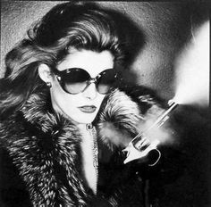 Lisa Taylor by Chris von Wangenheim for Dior, Ray Ban Sunglasses Outlet, Cheap Sunglasses, Clubmaster Sunglasses, Fashion Art, Editorial Fashion, High Fashion, 70s Fashion, Fashion Shoot, Daily Fashion