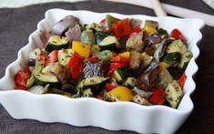 Kung Pao Chicken, Cobb Salad, Paleo, Good Food, Veggies, Jessie, Cooking, Ethnic Recipes, Kitchen