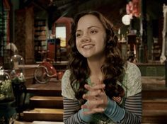 I realize that Christina Ricci has a pig nose in this movie (Penelope), but I love every outfit she wears and her room is awesome Christina Ricci, Penelope Film, I Movie, Movie Stars, Scottish Accent, Fictional Heroes, Pushing Daisies, James Mcavoy, Movie Costumes