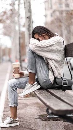 Find and save ideas about street style on Women Outfits. Cozy Fall Outfits, Cool Outfits, Casual Outfits, Lazy Outfits, Girly Outfits, Sweaters Outfits, Fall Sweaters, Fashion Mode, Fashion Outfits