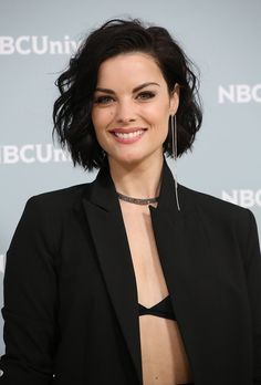 from Jaimie Alexander - NBC Universal Upfront Presentation in NYC Galery Jaimie Alexander, Jamie Alexander Hair, Short Haircut, Short Bob Hairstyles, Easy Hairstyles, Medium Hair Styles, Curly Hair Styles, Bombshell Beauty, Beautiful Actresses