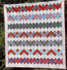 Christmas Ribbons Quilt - this looks so cute. I'm sure I can do it.