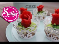 Marzipan-Rosen auf saftigen Marzipan-Kirsch-Muffins / Anleitung / Rose Cupcakes 09.02.15 - YouTube