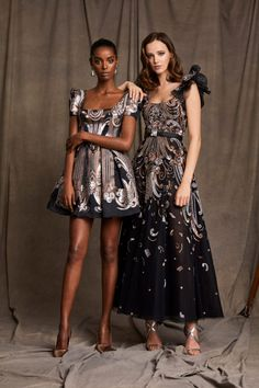 Vogue Paris, Couture Dresses, Fashion Dresses, Trendy Fashion, Fashion Show, Women's Fashion, Zuhair Murad Dresses, Rental Wedding Dresses, Elie Saab Couture