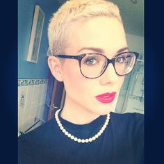 Absolutely in love with my new @oliverpeoples glasses  #oliverpeoples #glasses #girl