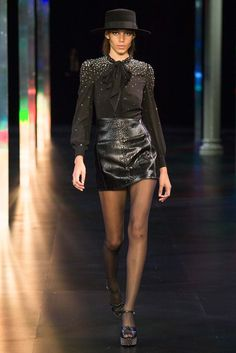 Saint Laurent Spring 2015 Ready-to-Wear Fashion Show - Binx Walton (Next)