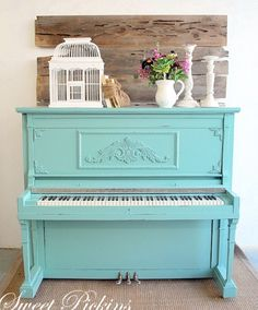 Turquoise pianos should be in every home :)