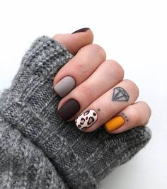 100 Most Beautiful Short Nails Designs for 2019 While some women like their nails to be long, the others find short nails practical. Check most stunning short nails designs for your inspiration. Blush Nails, Polygel Nails, Cute Nails, Pretty Nails, Cute Fall Nails, Simple Fall Nails, Fall Nail Art, Acrylic Nails, Natural Nail Designs