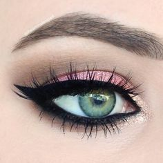 Adding bold liner to your usual pink eye makeup really do make a difference. Recreate this sophisticated look with the help of these essentials from IT Cosmetics.