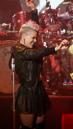 short hair - p!nk