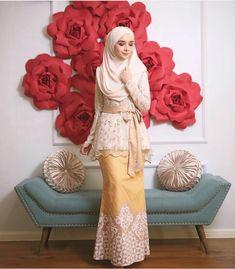 Kebaya Lace, Kebaya Brokat, Batik Kebaya, Kebaya Dress, Dress Pesta, Batik Dress, Abaya Fashion, Muslim Fashion, Women's Fashion