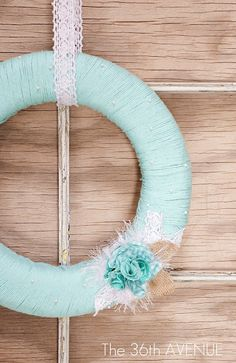 Yarn Wreath Tutorial.