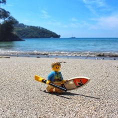 seems to be catching on. Lego Photography, Photography Projects, Inflatable Sup Board, Sup Stand Up Paddle, Lego Pictures, Lego Man, Lego Minifigs, Paddle Boarding, Lego Star Wars