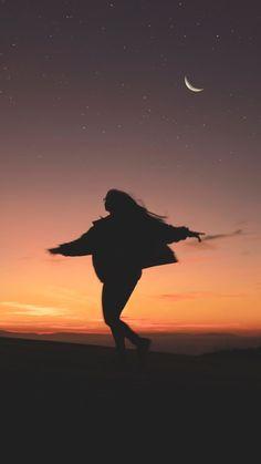 Träumen in der Nacht – Beautiful Wallpaper - Caitlyn Photo's - Pin Tumblr Wallpaper, Wallpaper Backgrounds, Die Wallpaper, Mobile Wallpaper, Tumblr Photography, Portrait Photography, Photography Ideas, Iphone Photography, Photography Backgrounds