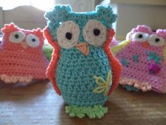 Sparkelz-creative: Egg Warmer owls, already for Easter ...? or simply because they are so cute!. ☀CQ #crochet #amigurumi #owls http://pinterest.com/CoronaQueen/crochet-owls-corona/