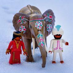 """""""""""Aiiii Rashid, diria que ens em perdut!"""" """"Que va!, en deu minuts ja estem a Delhi"""" """"I tota aquesta neu d'on a sortit?"""" #playmobil #clicks #toys #elephant…"""" Custom playmobil http://ninesdollspoupemunecas.blogspot.com.es"""