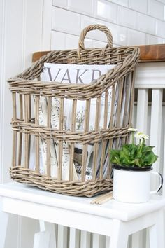 Awesome basket bench enamelware .....