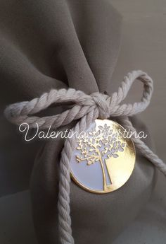 Χειροποίητες μπομπονιέρες γάμου μεταλλικό δέντρο της με πουγκί by valentina-christina.gr 2105157506 Wedding Decorations, Wedding Decor