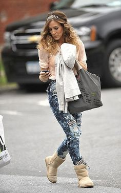 Sarah Jessica Parker Uggs Celebrity Style Women's Fashion 3 by How Celebs Wear It