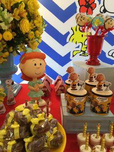 Olha que amor esta Festa Snoopy. Decoração Lorena Duque Festas. Lindas ideias e muita inspiração. Bjs, Fabiola Teles. Mais ideias lindas: Loren...