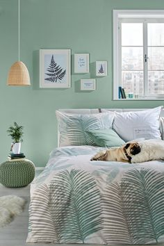 Green in the bedroom has a relaxing effect. Green in the bedroom . Green in the bedroom has a relaxing effect. Green in the bedroom has a relaxing effect. Grün im Schlafzimmer wirkt entspannend. Grün im Schlafzimme… 0 Source by Bedroom Green, Bedroom Colors, Modern Bedroom, Bedroom Wall, Girls Bedroom, Bedroom Furniture, Bedroom Decor, Bedroom Ideas, Small Room Decor