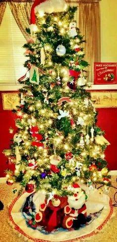a6d0a3b17ec Retro Christmas tree. This really takes me back! Cute Christmas  Decorations