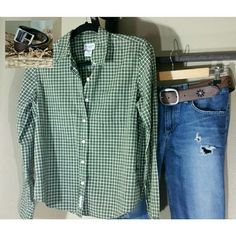 SHIRT & BELT.....SIZE SMALL FOR BOTH Green plaid shirt by Abercrombie &Fitch.  Brown Leather Belt(never worn) by Banana Republic.  It is not the belt on the jeans but is the one in the picture. Abercrombie and Banana Republic  Tops Button Down Shirts