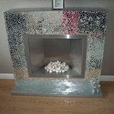 Wow some more bling my friend done this by hand with broken mirrors Mosaic Tile Fireplace, Fireplace Mirror, Mirror Mosaic, Mosaic Diy, Living Room Inspiration, Interior Inspiration, Upcycled Furniture, Diy Furniture, Broken Mirror Projects