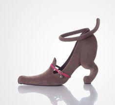 Kobi Leviさんはアーティスティックな靴のデザインを手がけることで有名なイスラエルのデザイナー。 奇抜さもさることながら、さまざまなモチーフをハイヒールに置き換える創造性豊かな感性には非凡なものがあります。...