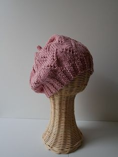 Crochet accessories 777926535623354601 - Tuto tricot Bonnet Edith Source by Bonnet Crochet, Knit Crochet, Crochet Pattern, Crochet Hats, Knitting Needles, Free Knitting, Knitting Patterns, Hat Patterns, Wedding Tattoos